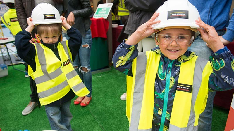 Manchester Day children in builders outfits