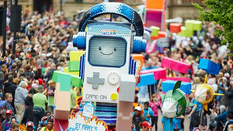 parade float pixel gameboy Manchester Day event